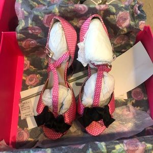 Betsey Johnson Canddee heels in pink